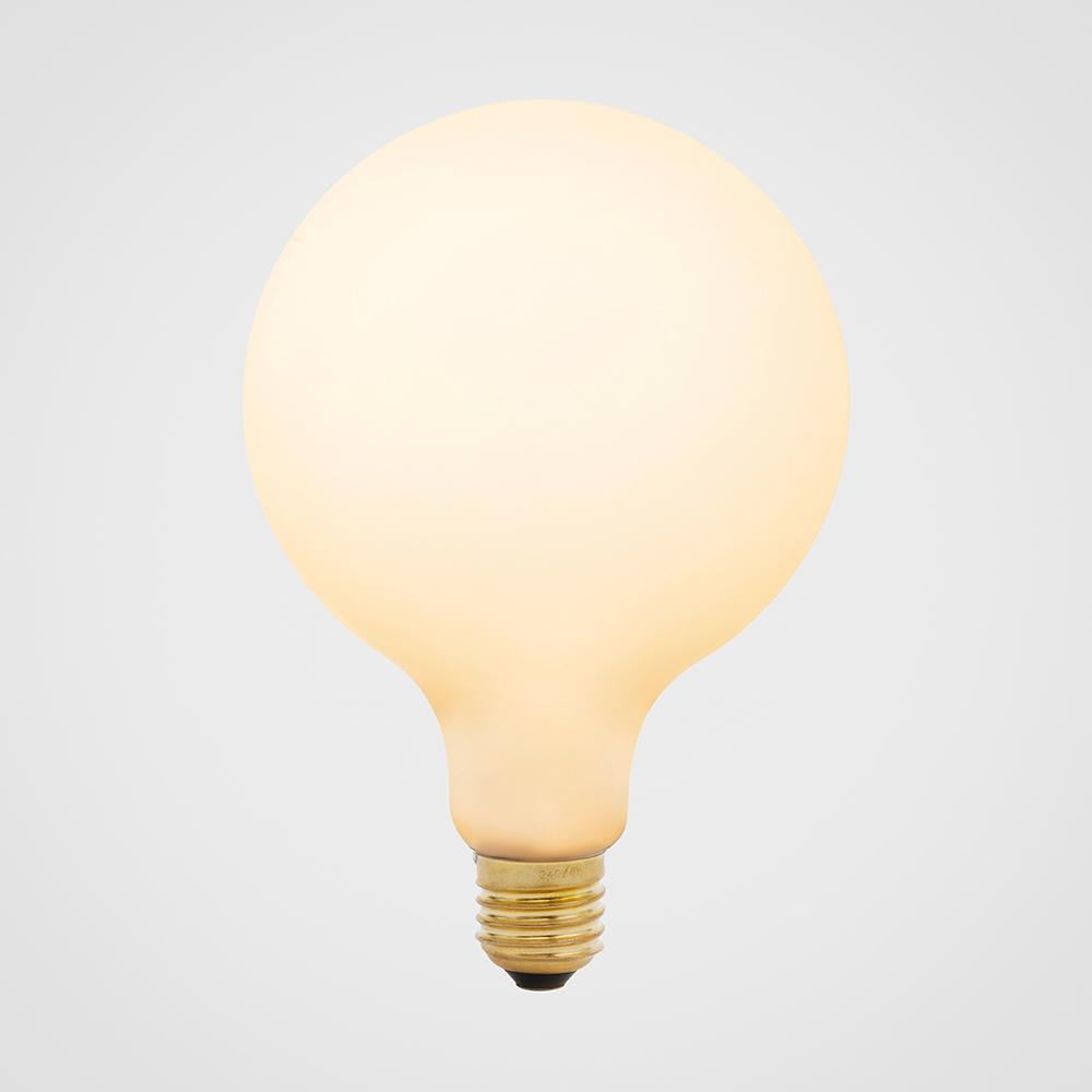 Porcelain-3-white-LED-bulb